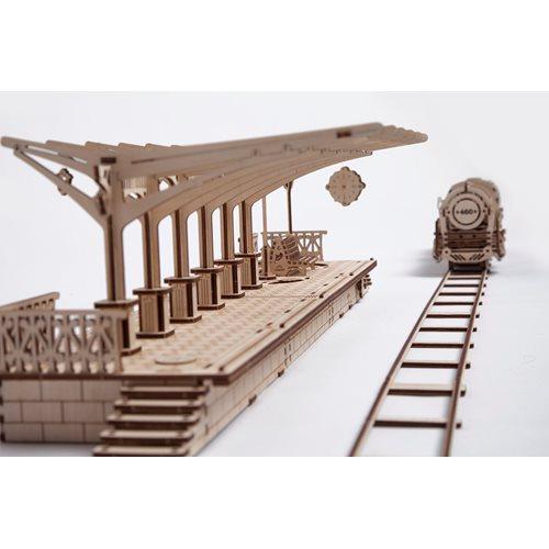 Ugears Houten Modelbouw - Trein Station