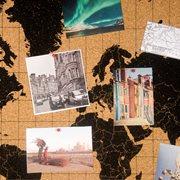 Milimetrado - Wereldkaart Prikbord - Kurk met Houten Frame - Zwart/Zwart - 70x50 cm