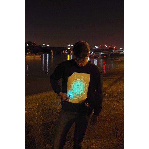 IA Interaktives Glow Sweatshirt  Super Grün - Schwarz (L)