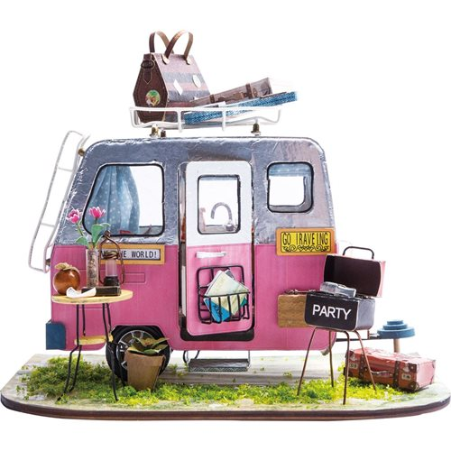 Robotime Happy Camper DGM04 - Wooden Model Kit - Mini Dollhouse with LED Light - DIY